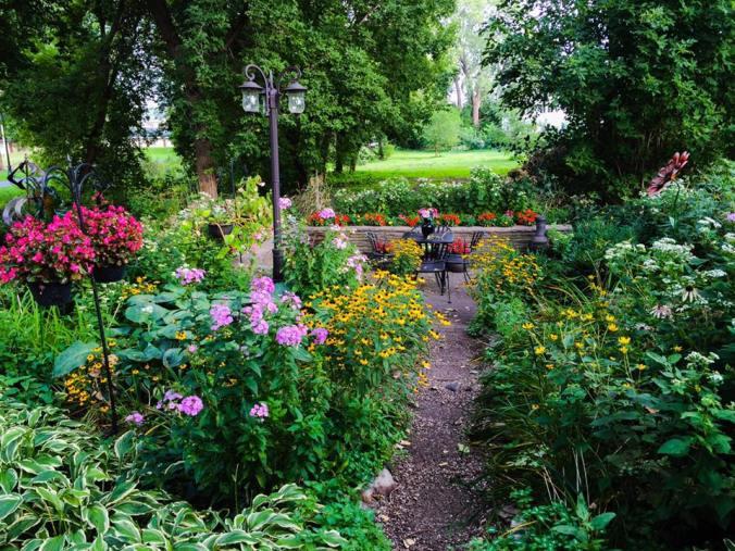 2016-secret-garden